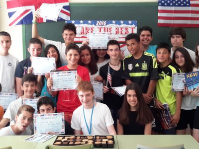 "Students from IES Gregorio Marañón celebrating : ""Ganadores de 3°ESO...y con galletas""!"