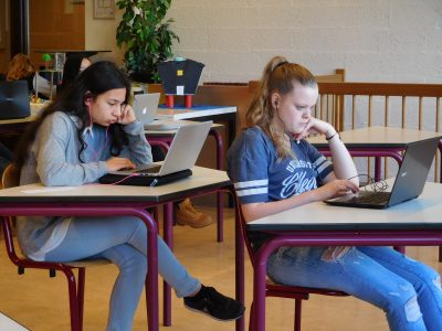 Pius X College Almelo students concentrating on the Big Challenge Quiz 2017.