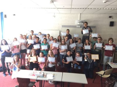All participants with their diplomas and prices at Het Alkwin Kollege in Uithoorn.