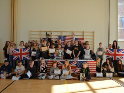 All contestants from Fria InterMiliaskolan in Motala.