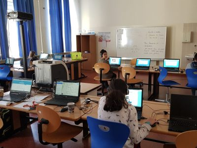 1150 Wien, NMSI Sechshaus Die ersten und zweiten Klassen bei der Arbeit