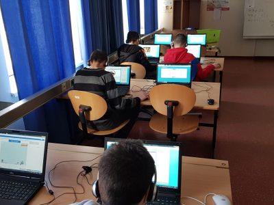 Die 4. Klassen beim Wettbewerb in der NMSI Sechshaus Sechshauser Straße 71, 1150 Wien