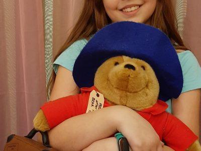 NMS Edlitz in Edltz  Das ist mein Freund, Paddington Bear. Meine Eltern haben ihn von ihrer London Reise mitgebracht.