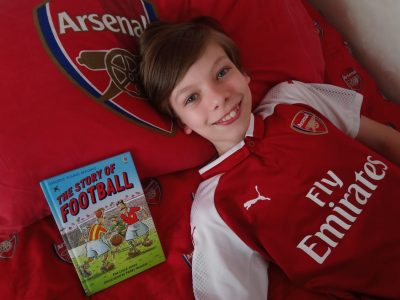 Wien Kenyongasse Mater Salvatoris   Relaxing on my Arsenal bed daydreaming about football.