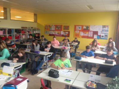 Persenbeug, Bezirk Melk (Niederösterreich), Klasse 3A Unsere Schülerinnen und Schüler der 3.Klasse beim fleißigen Ausfüllen der Wettbewerbsbögen.