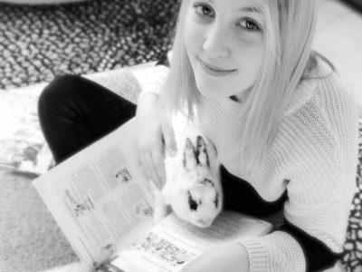 KÄRNTEN - TREFFEN - NMS Gegendtal Immer wenn ich am Lernen bin kommt mich mein Kaninchen Cookie besuchen :)