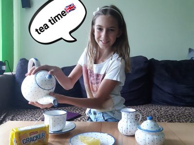 Schule:Stiftsgymnasium Seitenstetten Kommentar: Hier sieht man ein lustiges Foto bei meiner tea time.