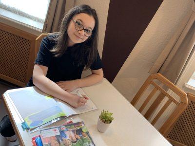 Wien  Kenyongasse AHS Mater Salvatoris  Das ist mein Bild wo ich meine Hausaufgaben im Grammer Practice Book mache !
