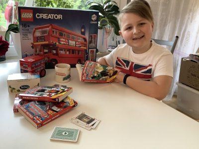"Dillingen - Johann-Michael-Sailer Gymnasium  Morning news from Duckburg... a sightseeingtour on the LEGO London Bus... a little card game in Ireland... and finally a 5 o'clock ""Tetley"" tea"