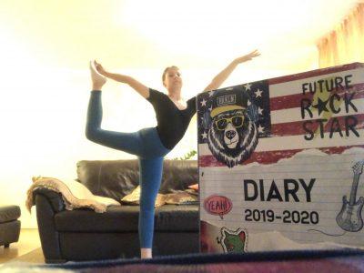 Unterschleißheim Lisa Latotski Carl Orff Gymnasium  Das Bild zeigt mich mit dem Big Challenge Diary das ich letztes Jahr gewonnen habe und das ich dieses Jahr wieder gewinnen möchte