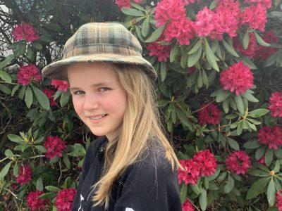 Pfaffenhofen an der Ilm  Schyren-Gymnasium   Sherlock Holmes unter dem Rhododendron