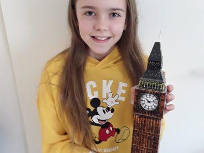 Bad Homburg v.d.H. Maria-Ward-Schule  Ich mag alles, was mit Mickey Mouse zu tun hat und der Big Ben beleuchtet nachts mein Zimmer.