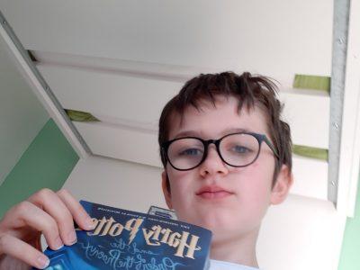 Polch Igs Maifeld  Mein Bild ist der Englische 5te Teil von Harry Potter