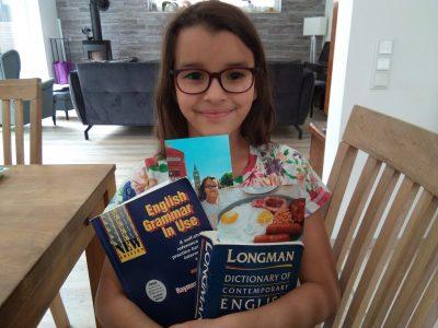 My name is Verena Bageritz. My school name is Frei Evangelische Schule Hagen (Fesh) in Hagen. England is an amazing country and I love English breakfast!