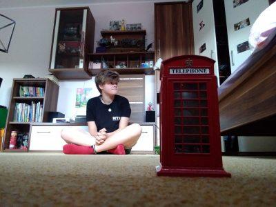 Charlotte Herbermann, Hameln  Diese Telefonzelle habe ich mir aus London mitgebracht und jetzt werde ich immer an das wunderschöne Land erinnert.