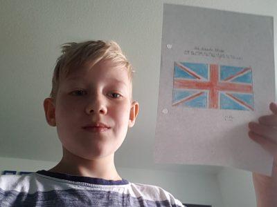Hier ist ein Bild von mir und einer UK Flagge.