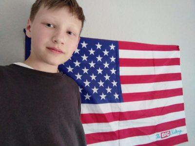 """Dortmund, Heinrich Heine Gymnasium  In Amerika spricht man auch """"Englisch"""" und deswegen die Flagge. Die Flagge ist vom letzten Jahr von Big Challenge(habe sie gewonnen)"""