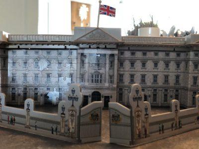 Kreisgymnasium Heinsberg  Buckingham Palace as a 3D-puzzle