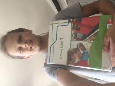 Biedenkopf Lahntalschule Ich heiße Finn Pfeifer.  Das ist mein Englischbuch.  LG Finn