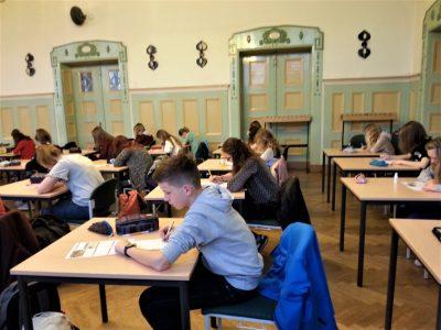 Niedersorbisches Gymnasium Cottbus  60 Schüler und Schülerinnen der 7.Klassen stellen sich der Herausforderung.