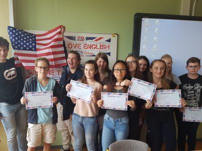 Gymnasium Finow, Eberswalde  Schülerinnen und Schüler der Jahrgangsstufe 8