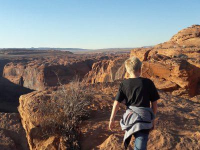 Dieses Bild zeigt mich, wie ich mit meiner Familie am Horseshoe Bend war. Wir waren dort wandern und haben tolle Fotos gemacht.  (LÜDINGHAUSEN, ST. ANTONIUS GYMNASIUM)