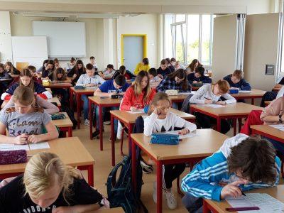 """Landsberg, Sekundarschule """"An der Doppelkapelle"""" Alle Teilnehmer sind mit viel Konzentration dabei."""
