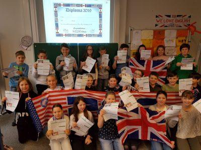 Burgkunstadt Realschule Burgkunstadt. Die Klassen 5 c und 8c haben sich erfolgreich den kniffligen Aufgaben gestellt.