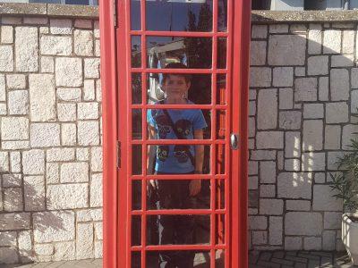 Stadt Wiehl, Dietrich-Bonhoeffer-Gymnasium Im Urlaub in Malaga haben wir einen Tag in Gibraltar verbracht. Ein kleines Stück England in Spanien.