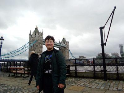 Hamburg ASG   Ich vor der Tower Bridge vor diesem Foto waren mein Bruder mein Vater und ich im Tower of London