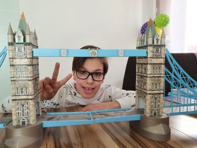 Hockenheim, Carl-Friedrich-Gauß-Gymnasium, this is my Tower Bridge and me, if you can dream it, you can do it, with love, Basti