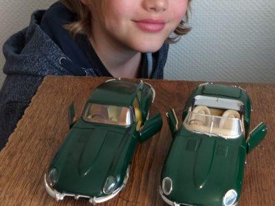 Velbert Gesamtschule Velbert Mitte. Alte Jaguar type E gebaut in England diese Modelle sind Sammlerstücke. Eine Limousine und ein Cabrio.