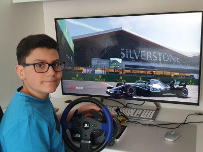 Sindelfingen Stiftsgymnasium Sindelfingen Beschreibung auf Englisch: Picture of Silverstone Circuit in F1 2019 located in Great Britain Silverstone Circuit, Towchester Length: 5.8 km (3.4 Miles) Turns: 18 Lap Record in F1: 1:27,369 (Lewis Hamilton) Made by Alexandros Theiakos (Ich habe diese Beschreibung selbst gemacht)