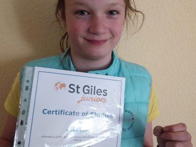 Stadt: Aschersleben(OT Wilsleben) Name meiner Schule: Stephaneum  Auf dem Foto sieht man meine Urkunde, welche ich als ich im Sommer in England auf einer Sprachschule war bekommen habe. Es hat mir dort sehr gefallen.
