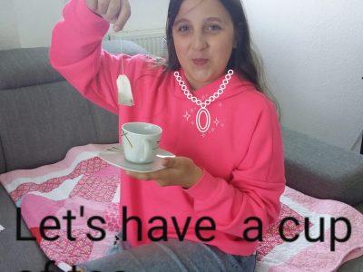 Lübbecke, sophia wojciechowski   Ich liebe schwarzen tee mit meiner englischen buldogge zu trinken einfach köstlich