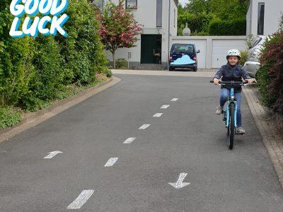 Landrat-Lucas-Gymnasium Leverkusen  (Klasse 5e)  *left-hand traffic*