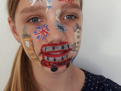 Hannover Gymnasium Goetheschule London on my face! It is cool!