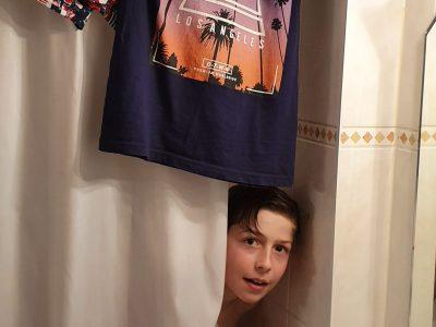 Klenze-Gymnasium München  Kommentar: english even follows me into the shower - (für eine Sportkamera gehe ich sogar freiwillig duschen...)   ; )