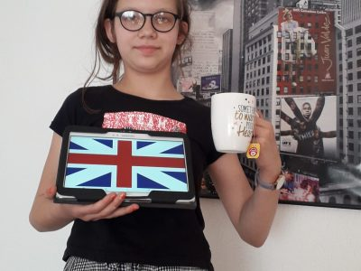 Eschweiler  leonie, isnt it great to have a cup of tea together with the Unionjack?