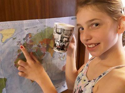 """Arnsberg, St. Ursula Gymnasium """" Ich war letztes Jahr in London, dort habe ich den Becher gekauft. Am besten hat mir in London gefallen, dass alle so nett waren. Das London Eye fand ich am lustigsten, weil es für 10 Minuten stoppte und ich die Aussicht genießen konnte."""""""