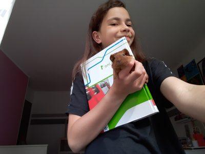 Mein kleines Babaymeerschweinchen macht iimmer Hausaufgaben mit mir ,aber besonders gern mag es Englisch!♡