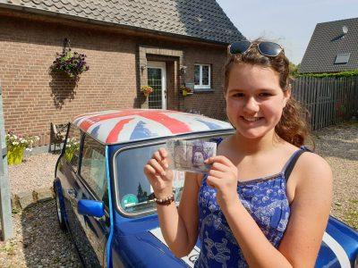 Marie-Louise  Kapteijns, Gesamtschule Emmerich Klasse 6A,  Ich lerne gerne Englisch um später  in einen Mini Cooper durch England  zu reisen!!!!