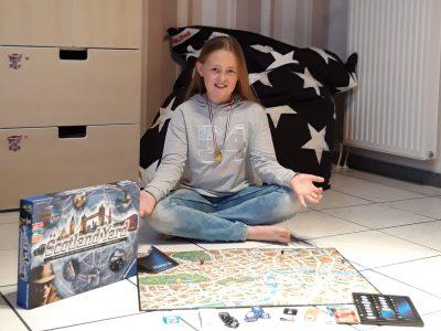 """St. Ursula Gymnasium Arnsberg-Neheim Vor """"The Big Challenge"""" wollte ich mich noch ein bisschen auf England einstimmen und habe erstmal Scotland Yard gespielt. Natürlich habe ich gegen meine Eltern gewonnen. Jetzt bin ich nur gespannt, ob es mir für den Wettbewerb auch geholfen hat.  Lenia"""