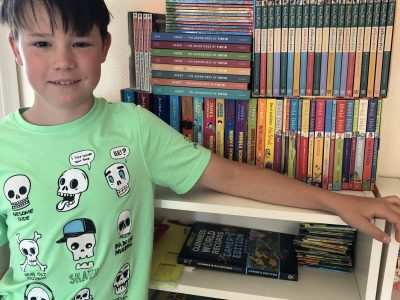 Hi I'm Sebastian from the Augustiner School in Friedberg.  This is my english book collection.