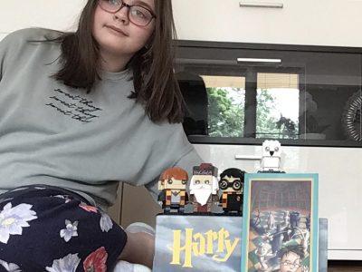 Stadt: Düsseldorf  Schule:  Max Planck Gymnasium (Alle Bücher von Harry Potter + Lego Harry Potter