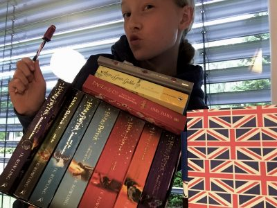 Dreieich    Ricarda-Huch-Schule  Me and my English books ;) I've got English roots so I've been reading in English for many years, it has a great meaning to me. My favourite will always be Harry Potter. You just can't beat the English version and the feeling it gives you.