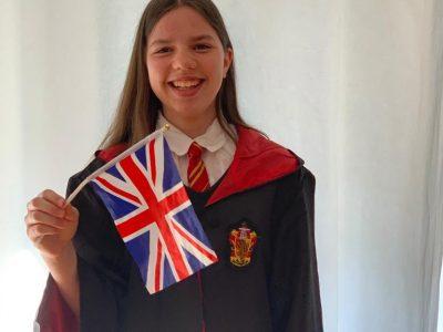 Bonn, Clara-Fey Gymnasium   Ich liebe Harry Potter und für mich haben die Bücher und die ganze Welt Drumherum sehr viel mit Englisch und England zutun.