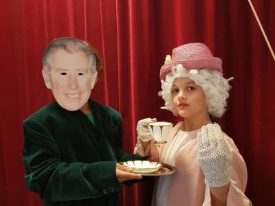 "Schrobenhausen, Gymnasium Schrobenhausen  ""Five o ´Clock Tea in Buckingham Palace"""