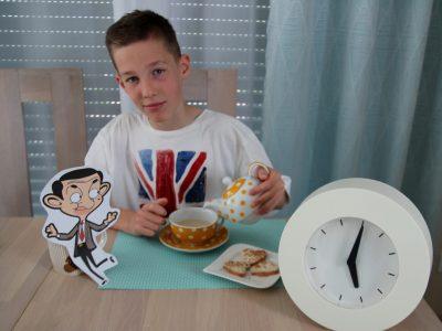 Pascal-Gymnasium Grevenbroich  5 o'clock tea with Mr. Bean