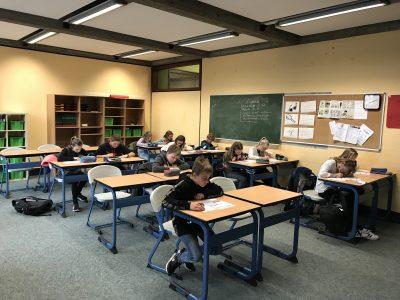 Sekundarschule Warburg  Concentrating hard!